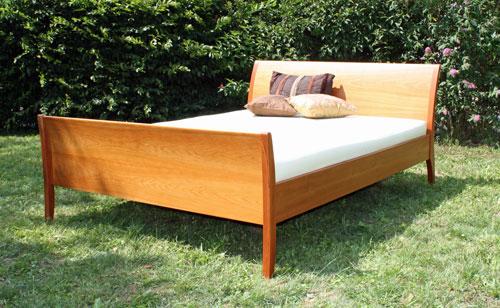 betten und nachttische. Black Bedroom Furniture Sets. Home Design Ideas